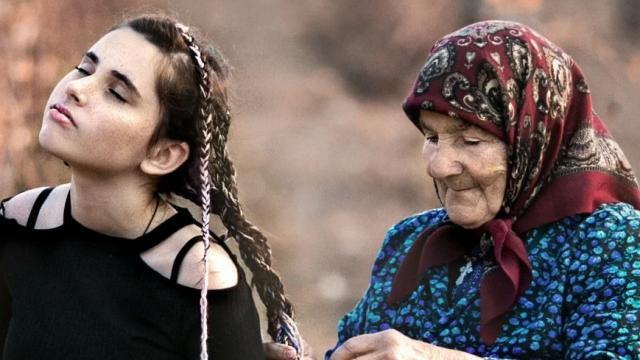 Бабушка, помоги…