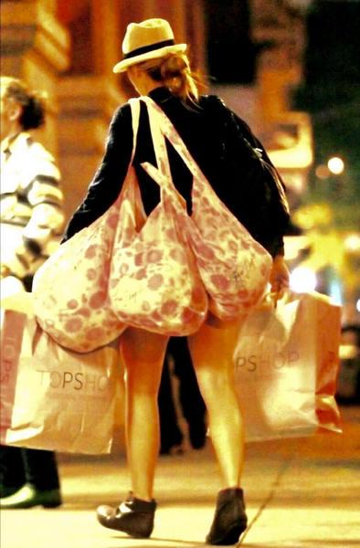 Как ходит женщина за хлебушком
